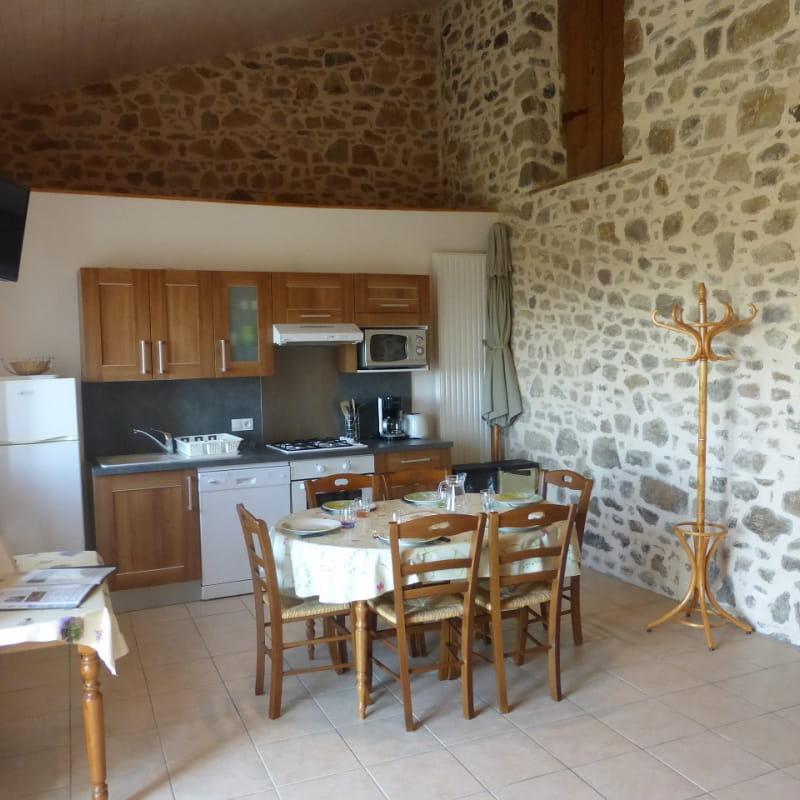 Gîte des Ormes à POMEYS (Rhône - Monts du Lyonnais): le séjour.