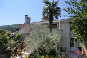 escalier pour arrivée a l olivier