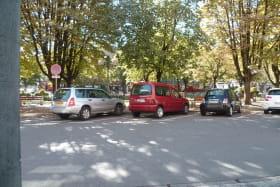 parking devant l'office de tourisme