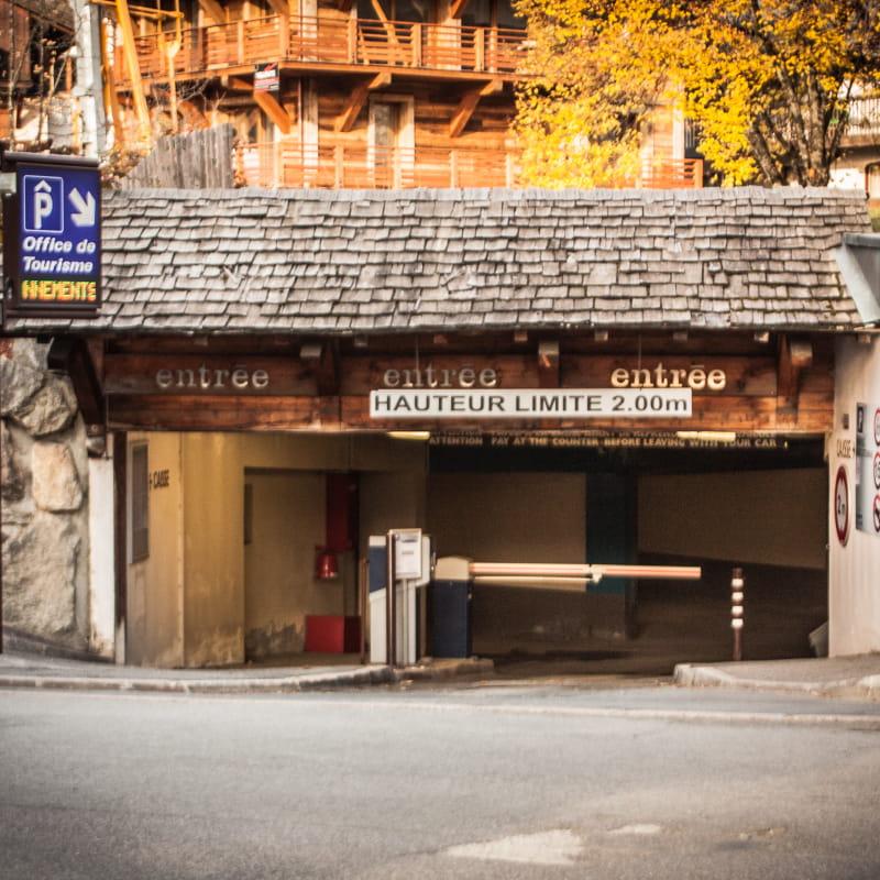 Parking couvert Office de Tourisme