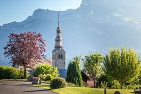 Eglise de Combloux face au massif des Fiz