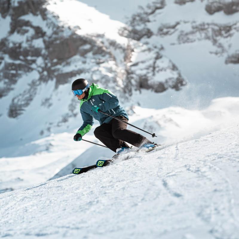 Descente en ski de la vallée Blanche avec un accompagnateur du Grand-Bornand