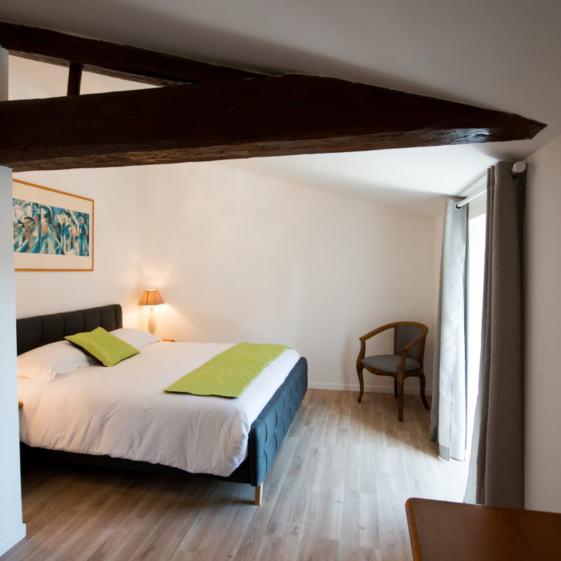 Chambre double sous les toits