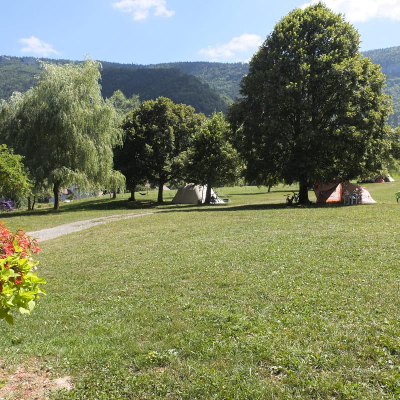 Aire Naturelle de Camping les Moreaux