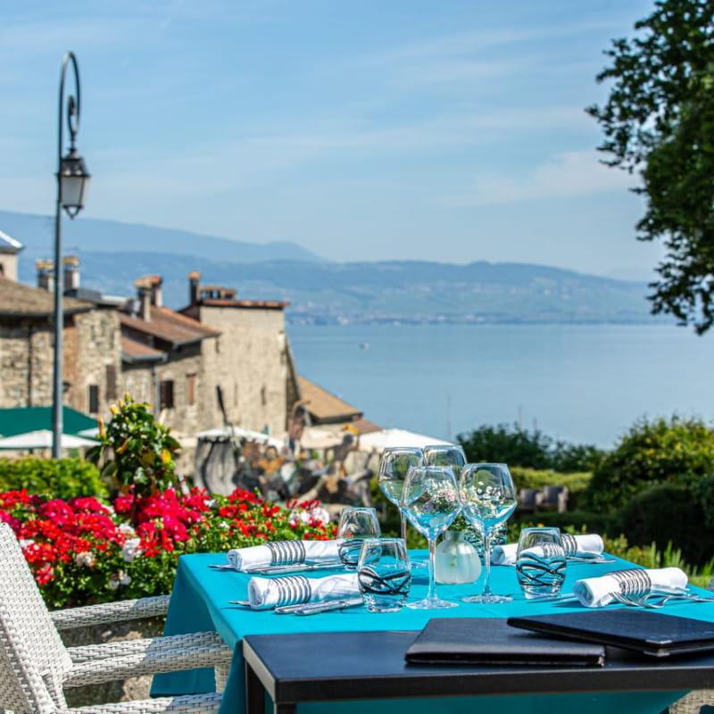 Restaurant / Terrasse avec vue sur le Lac