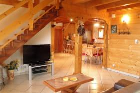 Location chalet à Thollon les Mémises - vue Lac Léman - Haute Savoie - Coin salon