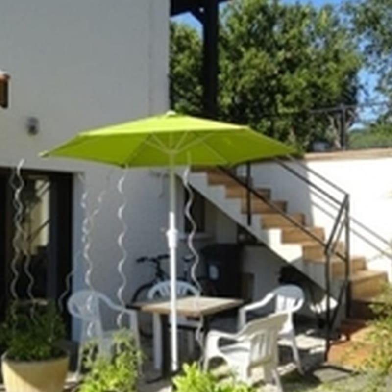 Séjour ouvrant sur terrasse aménagée