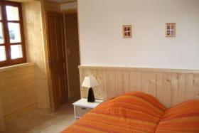 Chambre de l'appartement n°1 de la Ferme de Oise