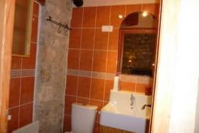 La salle d'eau de la chambre méditerranéenne