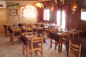 La Bocona, salle du restaurant à Bessans