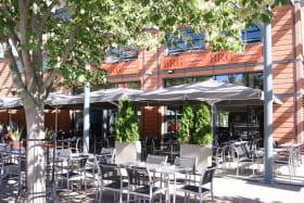 Restaurant Le Bistrot Rive Gauche (BRG) du Crowne Plaza Lyon - Cité Internationale, avec terrase sans vis à vis