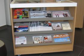 OT Chambéry : présentoirs adaptés pour les personnes de petite taille ou en fauteuil