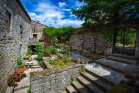 Côté Jardin Chateau d'Ucel