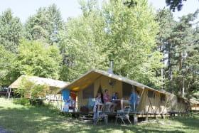 Tente toilée au Camping Huttopia de Divonne les Bains