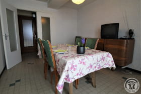 Gîte à l'étage de La Panoncelière à Rontalon dans les Coteaux du Lyonnais (Rhône): le séjour.