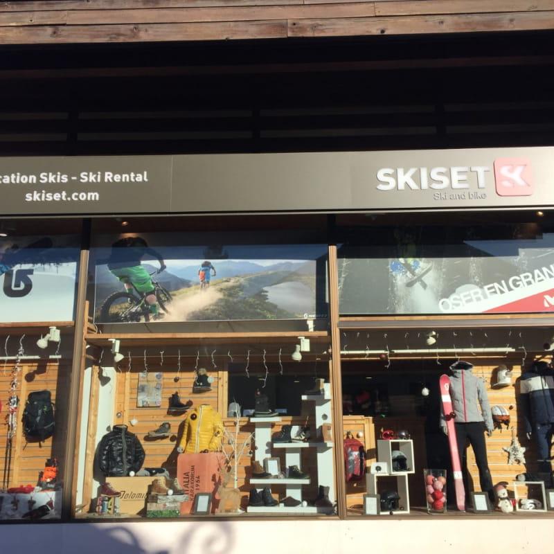 Magasin Ski and Bike Skiset Combloux