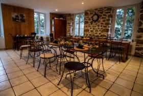 Pont de Loire Café-Restaurant-Hébergement