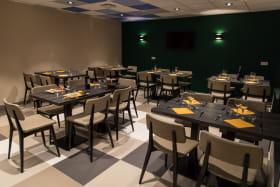 Salle du restaurant La Tête à l'Envers à Val Cenis Sollières