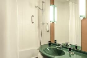 Ibis Lyon Est Bron - Salle de bain