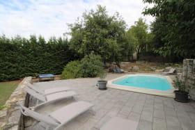 Jardin Table ping pong et piscine privée