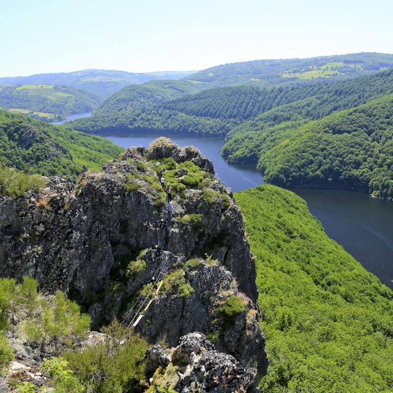 Vue sur le lac de Sarrans