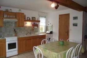 maison le plagnal 07590 cuisine