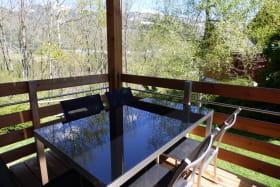 Une belle terrasse pour profiter de l'environnement extérieur