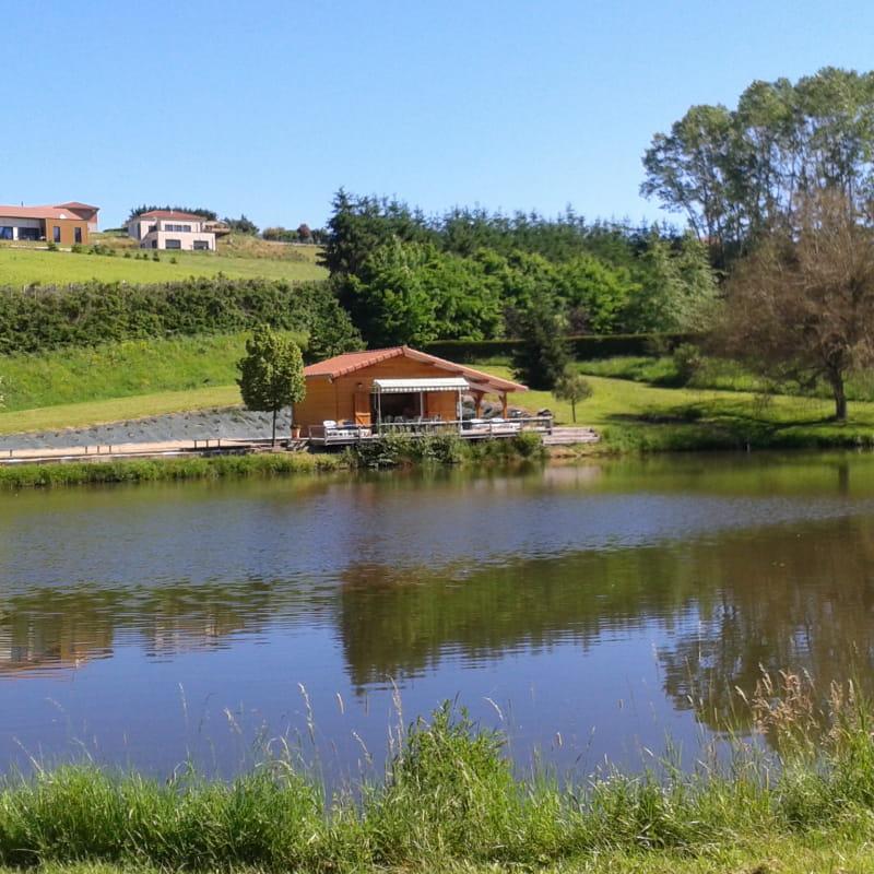 Chalet avec étang