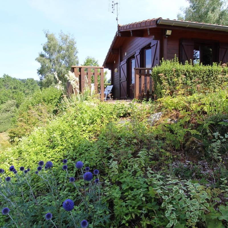 Chalet-Gîte du Plan d'eau d'Azole (Gîte N° 2) à Propières (Rhône - Beaujolais Vert)