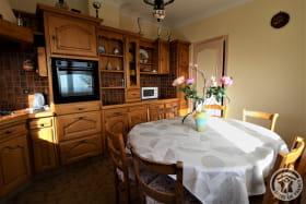 Gîte La Côte du Py à Villié-Morgon (Rhône - Beaujolais) : cuisine toute équipée.