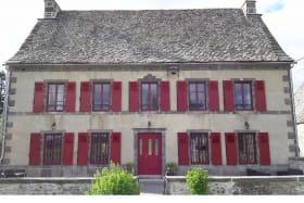 Maison Domaine de Chez Jamet Laqueuille extérieur