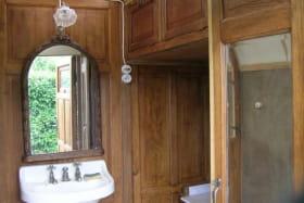 Roulotte Les Années Folles, salle de bain