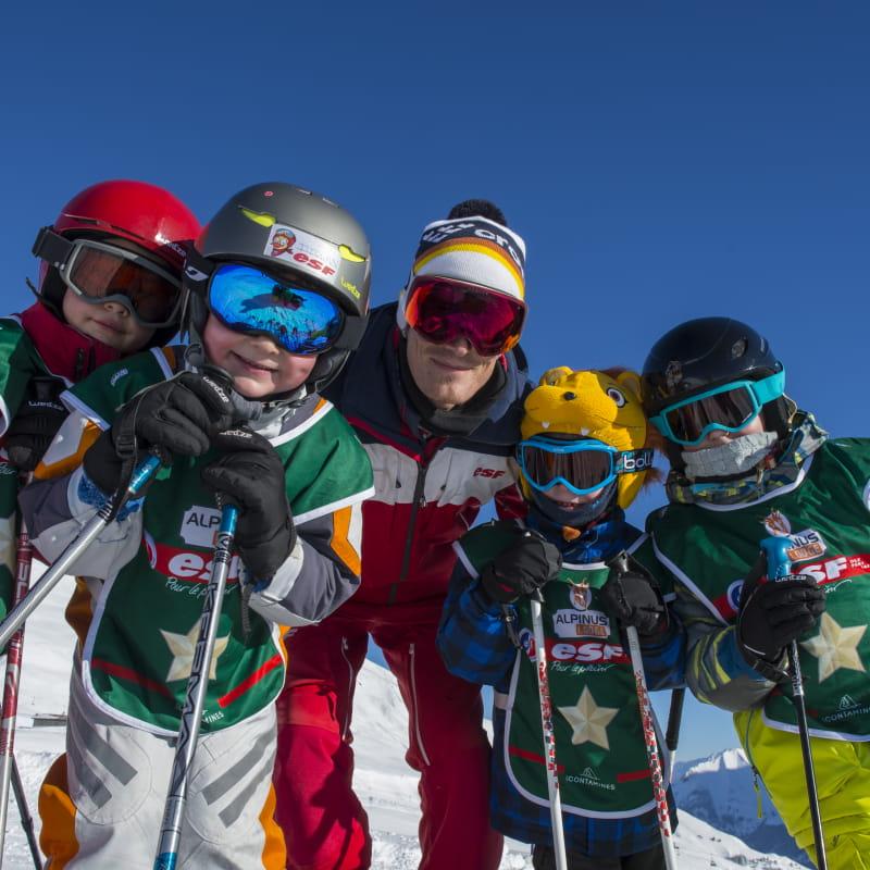 Cours collectif enfant de ski alpin avec l'ESF