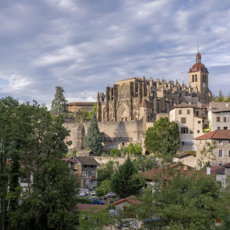 Le Tour de Saint-Antoine-l'Abbaye