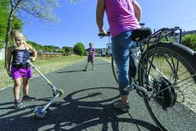 Pôle Location : vélos, VTT, vélos à assistance électrique, rollers et trottinetttes