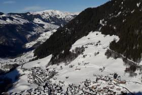 Profiter des paysages enneigés de nos montagnes...se balader, randonner, prendre le temps de respirer au grand air...