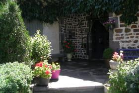 Chambres d'hôtes Fleurs des Champs Aurières extérieur 1