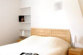 Le Logis de Claudine à Pommiers dans le Beaujolais (Rhône) : la Chambre (1 lit 2 personnes) - étage.