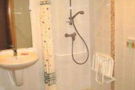 Salle de bain de l'appartement n°1 de la Ferme de Oise