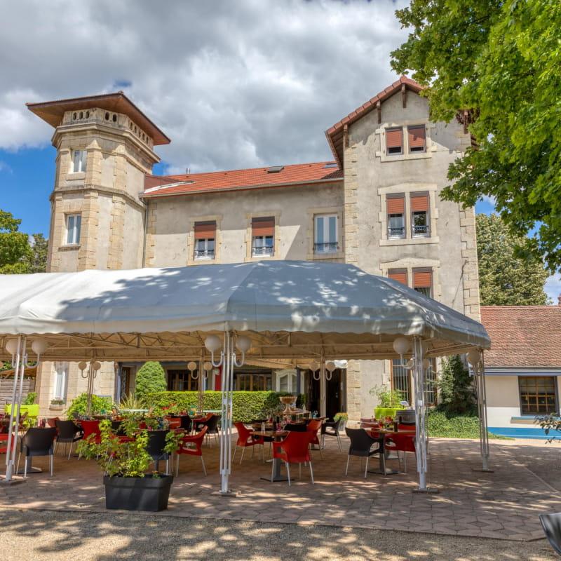 Hôtel-Restaurant La Commanderie de Champarey