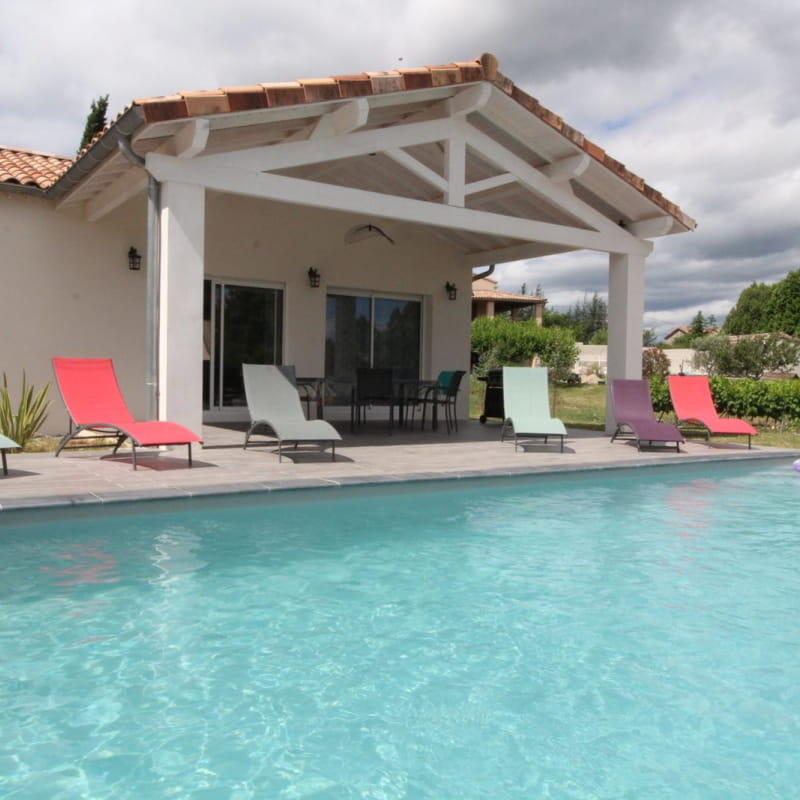 Gîte La Cocalyne : piscine privée