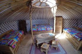 Yourte ALTAI - Olachat : Yourte mongole proche d'Annecy : vue incroyable, au calme en Haute-Savoie