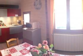 Panoramique de la cuisine et salon