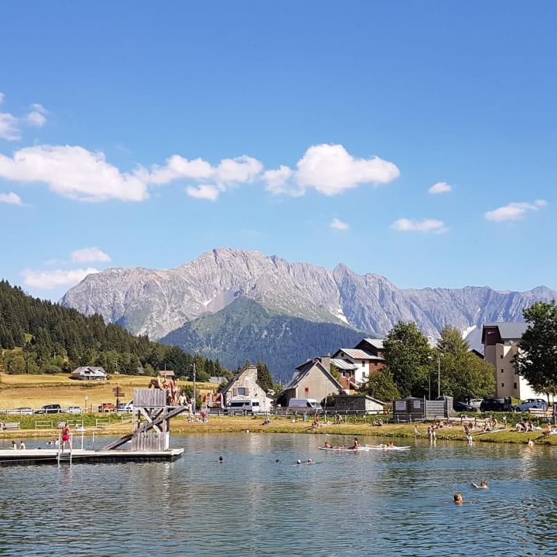 Lac de baignade de l'Alpe du Grand Serre